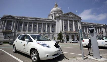 샌프란시스코 시청에 설치된 전기차 충전소
