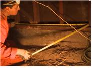 [그림 2] 하부공간에 추가적인 지진대비 볼트를 설치하는 과정 4